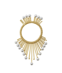 Gold ring with natural pearls
