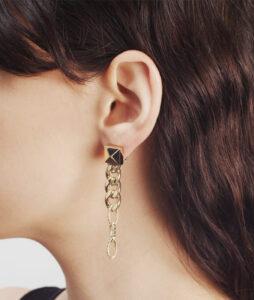 Single pendant earring